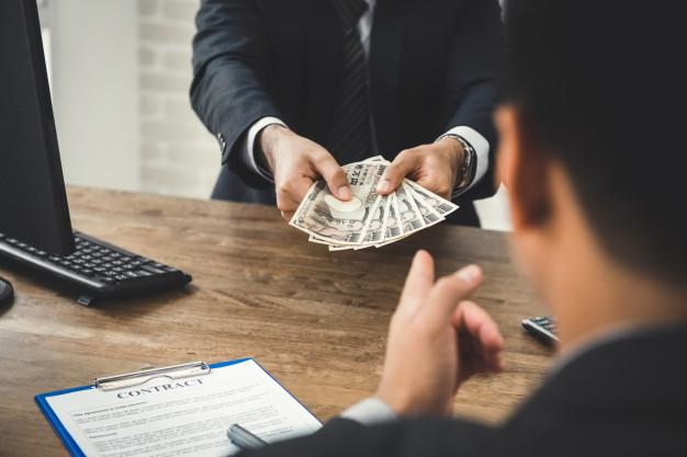 Meminjam Modal Usaha Dari Bank? Ini Kelebihan dan Kekurangannya